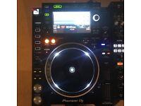 Pair of cdj 2000 nexus 2 with djm 900 nexus 2