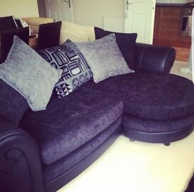 4 seater blacl and grey couch hardly used excellent conditon need gone as just sitting there