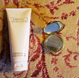 Sarah Jessica Parker Body Lotion + Compact Mirror (NEW)