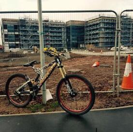 Specialized Full sus Mountain Bike