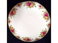 Royal Albert 'Old Country Roses' Large Round Cake Plate