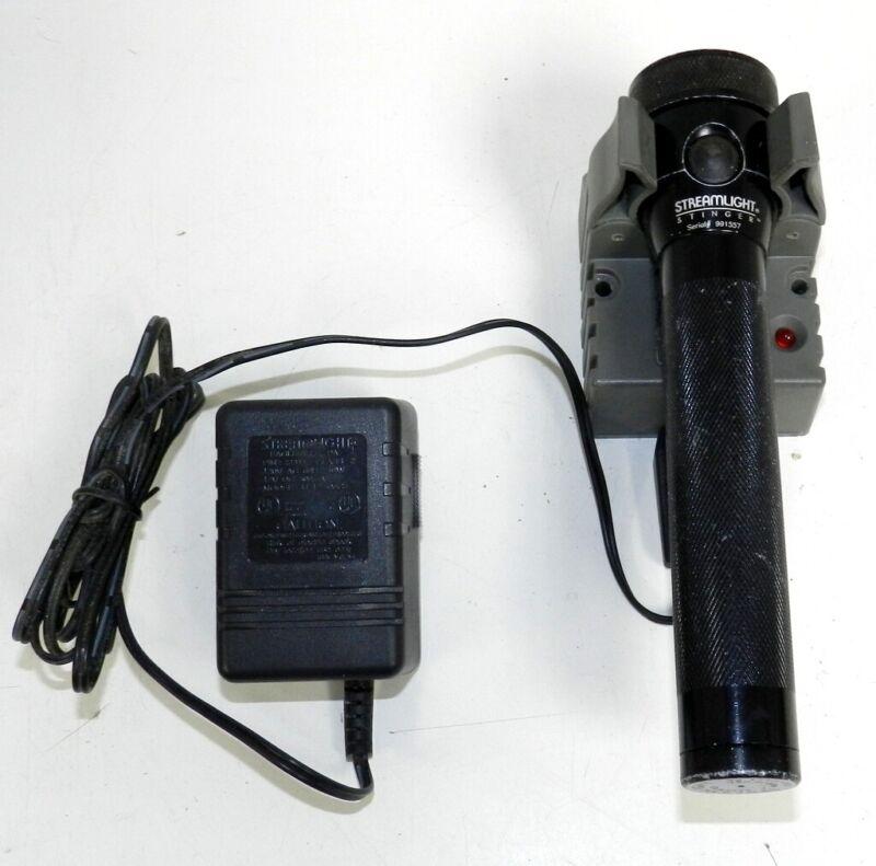 Vintage Streamlight Stinger Flashlight with  75103 Charger READ DESCRIPTION