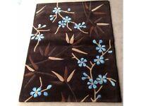 100% Wool Pile Brown Blue Aria Bamboo Flower Rectangular Rug (4ft x 5ft 6)