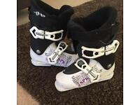 Ski Boots Salomon Size 4