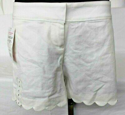 NWT Isaac Mizrahi New York Women's Scalloped Hem Tailored Short White Size 4