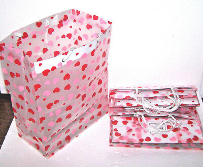 VALENTINES DAY GIFT BAGS SET 10 LOT HEARTS LOVE PLASTIC ROPE HANDLE MED to LARGE](Valentines Day Gift Bags)