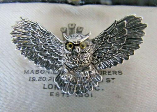 VICTORIAN STYLE 925 STERLING SILVER GLASS EYE WISE OWL BIRD ANIMAL BROOCH PIN