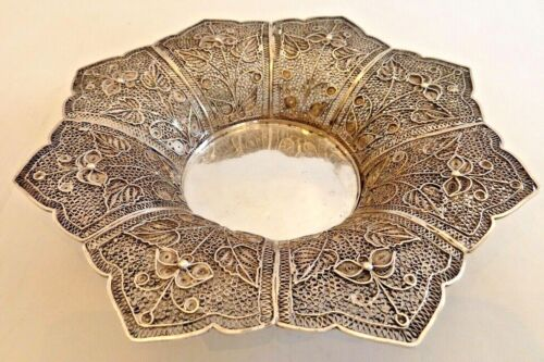 ASIAN SOLID SILVER SMALL FILIGREE DISH W/ FLORAL DESIGN IN EIGHT PANELS