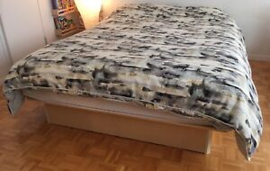 Bed base (without mattress)