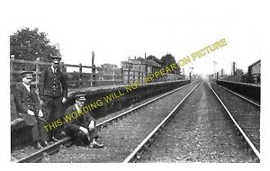 Mickle Trafford Railway Station Photo. Chester - Dunham Hill. Helsby Line. BJR