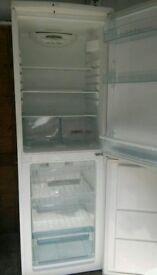 Good condition Zannusi fridge freezer. Can deliver.