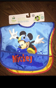 Mickey Mouse 2 pack water proof bibs