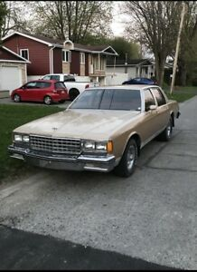 Chevrolet Caprice 1981 vente rapide besoin stationnement