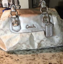 SILVER COUCH BAG