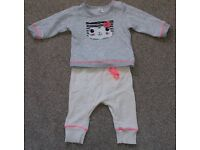 Girl outfit size 3-6months