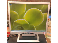 "17"" LCD monitor with Speakers for PC / Laptop / CCTV Security Camera **DELIVERY**"