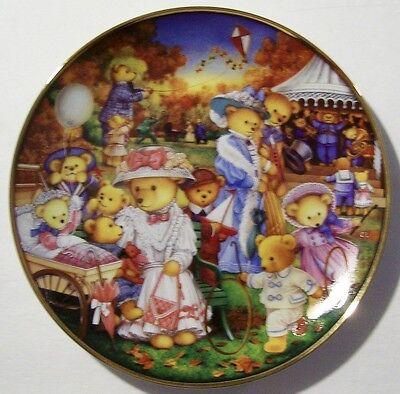 """FRANKLIN MINT LIMITED EDITION """"TEDDY BEAR OUTING"""" BY CAROL LAWSON~"""