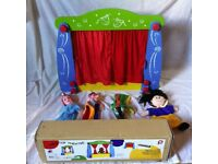 PINTOY WOODEN TABLETOP THEATRE W/PUPPETS