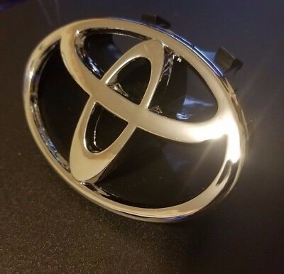 Toyota Camry Silver Front Grille Emblem 1997-2001 FAST SHIP 97 98 99 00 01