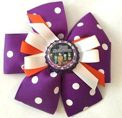 Happy Halloween Hair (Beautiful Happy Halloween and friends inspired hair bow for girls.)