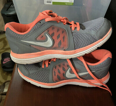 Nike Dual Fusion ST3 Running shoes 657498-001 Womens size 9 Gray & Neon peach