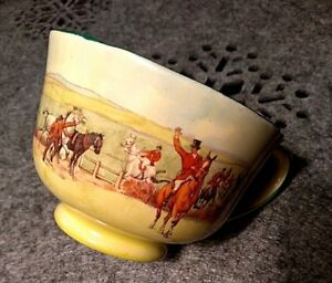 Royal Doulton Tea Cup Extremely Rare  Fox-hunting D.5104 -circa 1931