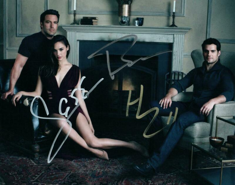 Ben Affleck Gadot Cavill signed 8x10 Photo and COA autographed Picture very nice