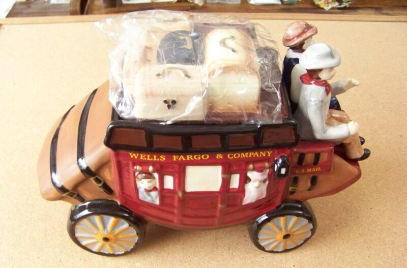 Wells Fargo & Company stagecoach US Mail porcelain cookie jar sm nicks