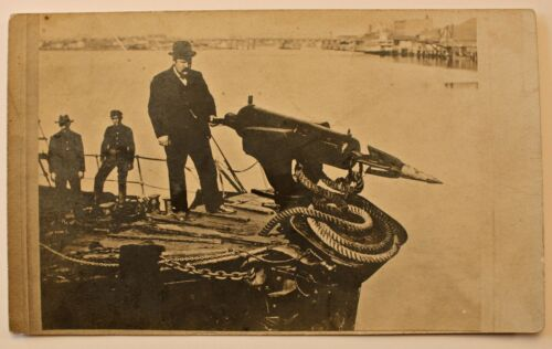 RARE ANTIQUE WHALING SHIP POSTCARD -MAN POSING WITH EXPLODING TYPE HARPOON & GUN