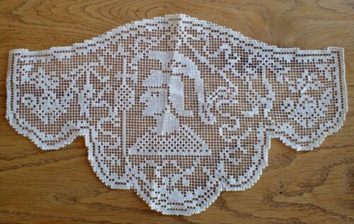 RARE Antique Vtg Linen Italian Hand Made Filet Crochet Lace Roman Soldier Doily
