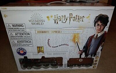 Lionel Trains Harry Potter Hogwarts Express Ready-to-Play Train Set New Open Box