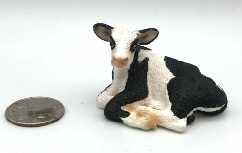 Schleich LAYING DOWN HOLSTEIN CALF Cow Figure Black & White 2008 Retired 13639