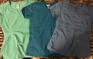 Lot of XS women scrubs in great condition
