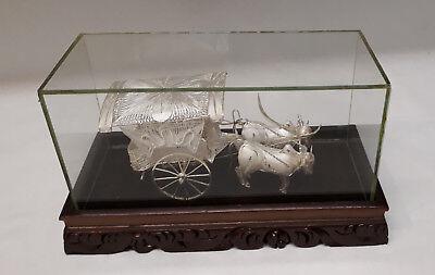 Kutsche in Glasbox, gezogen von 2 Wasserbüffel, 925er Sterling Silber