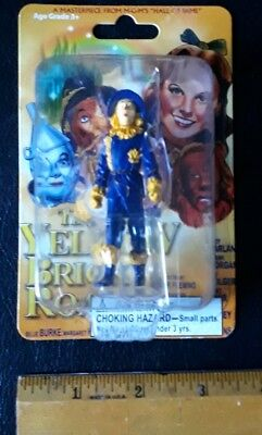 The scarecrow from the Wizard of Oz Figurine 2005 M-G-M'S Hall of fame Hollywood](The Scarecrow From The Wizard Of Oz)