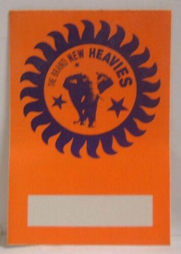 THE BRAND NEW HEAVIES - ORIGINAL CONCERT TOUR CLOTH BACKSTAGE PASS