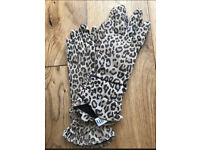 C brand new Faith leopard gloves S/M