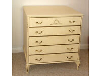 Small chest of drawers with 4 drawers