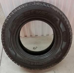 (M12) 1 Pneu Hiver - 1 Winter Tire LT245-75-16 Goodyear 9/32