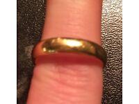 Men's yellow gold ring