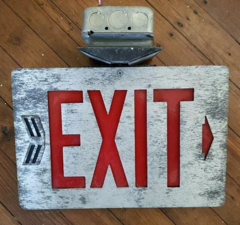 vintage exit licht in good working order