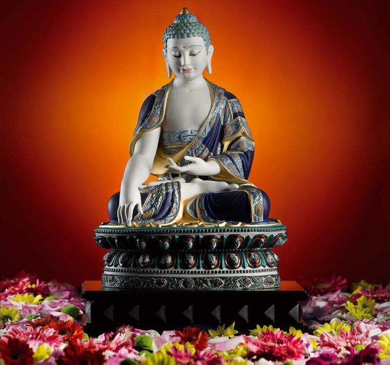 Porcelain Buddha ( BUDDHA) SHAKYAMUNI. series (GOLDEN)