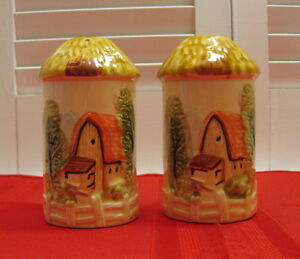 Salt-amp-Pepper-Shakers-Cottage-Farmhouse-Barn-Fence-Trees-Thatched-Tops-Ceramic