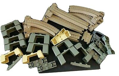 Thomas & Friends Trackmaster, Straight Curves Riser Track Pack. 29 Pieces