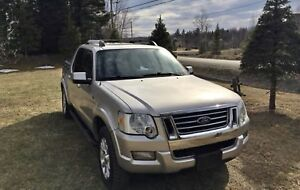 153 000km PICK UP FORD EXPLORER SPORT TRAC 2007  succession