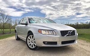 2010 Volvo S80 3.2 low km very clean !