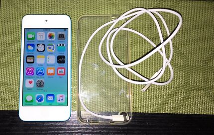 iPod Touch 5th Gen 32GB Blue Excellent