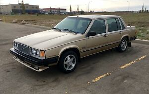 1988 VOLVO 740 GLE 5-SPEED