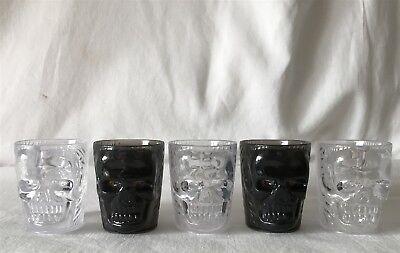 5 Plastic SKULL Shot Glasses 3 x Clear 2 x Dark Grey