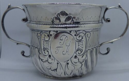 1726 George II Silver Two Handled Caudle Cup by William Darker of London